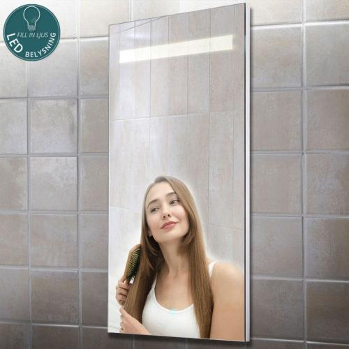 Spegel med LED belysning
